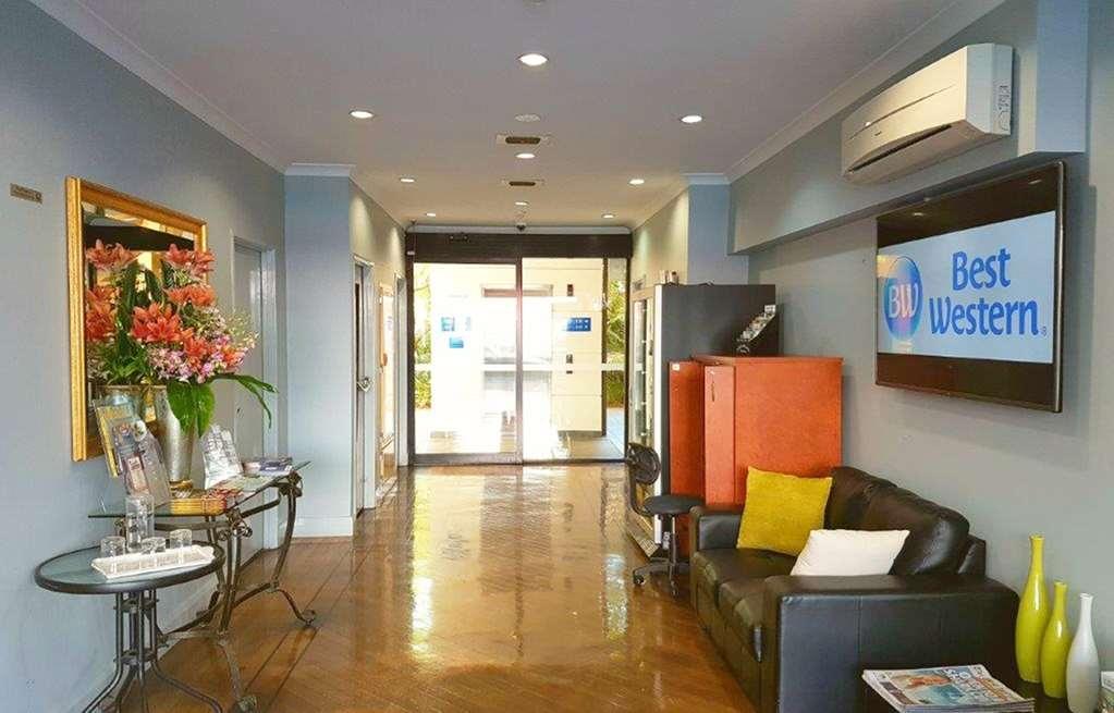 Best Western Northbridge Apartments - Vista del vestíbulo