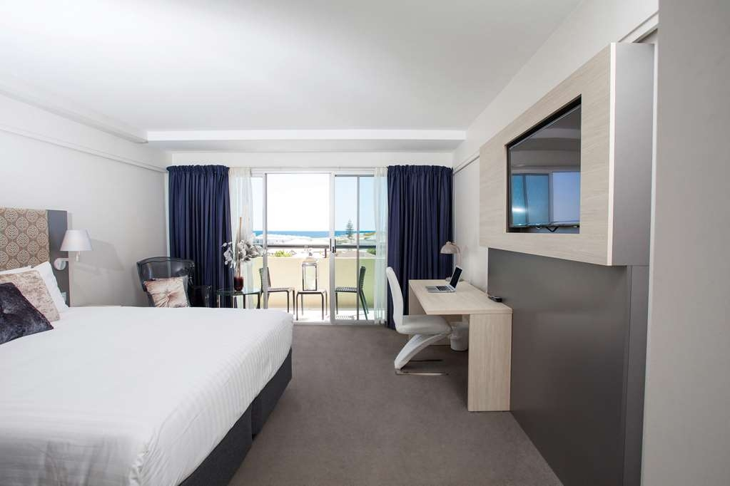 Best Western Plus Hotel Lord Forrest - Sea View Room with a Balcony and King Size Bed