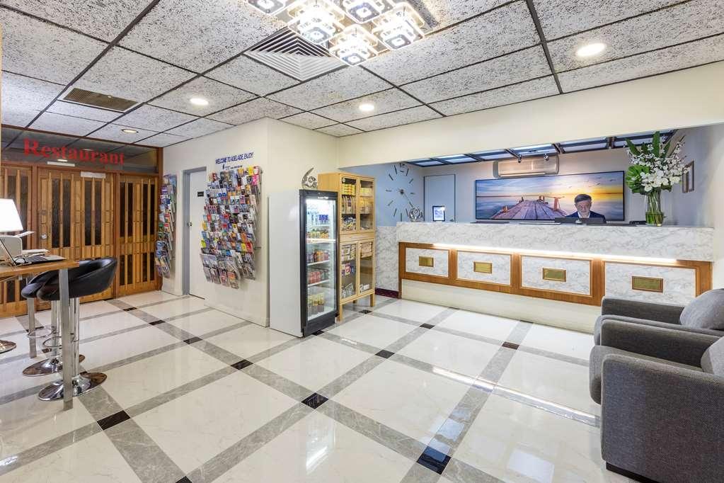 Best Western Adelaide Granada Motor Inn - Vista del vestíbulo