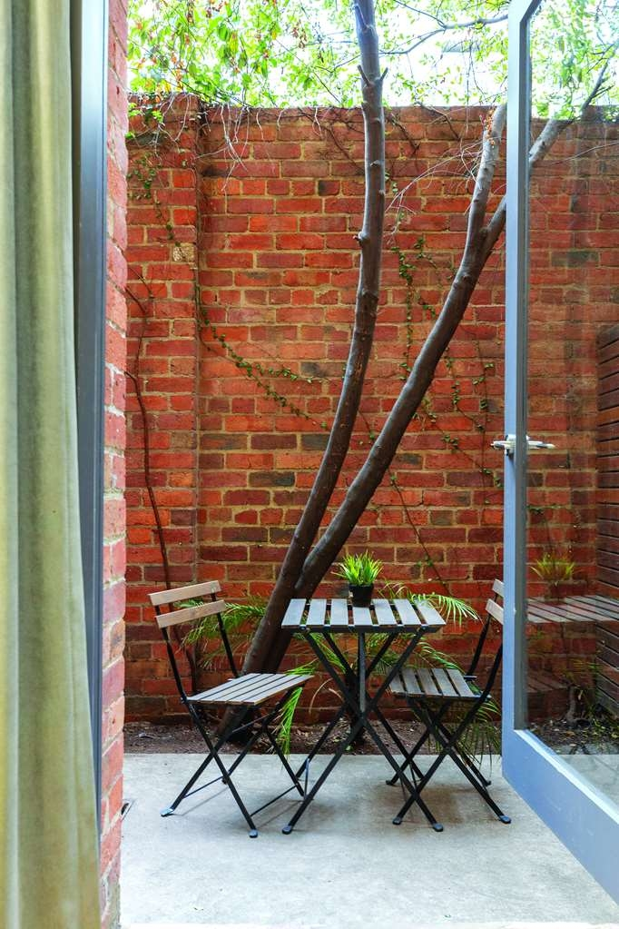 Best Western Melbourne City - Courtyard