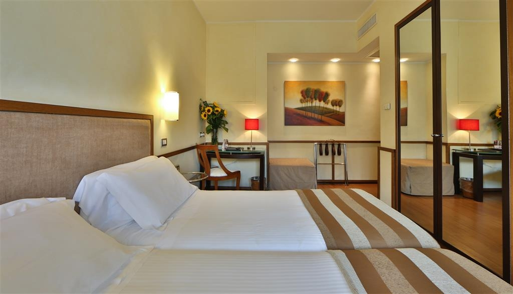 Best Western Hotel Piccadilly - Two Twin Bed Guest Room