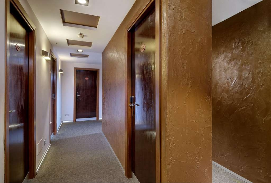 Best Western Hotel Piccadilly - Interior Corridors