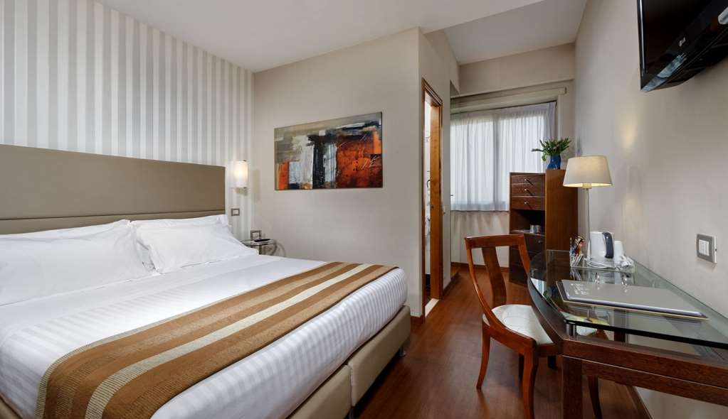 Best Western Hotel Piccadilly - Queen Bed Guest Room