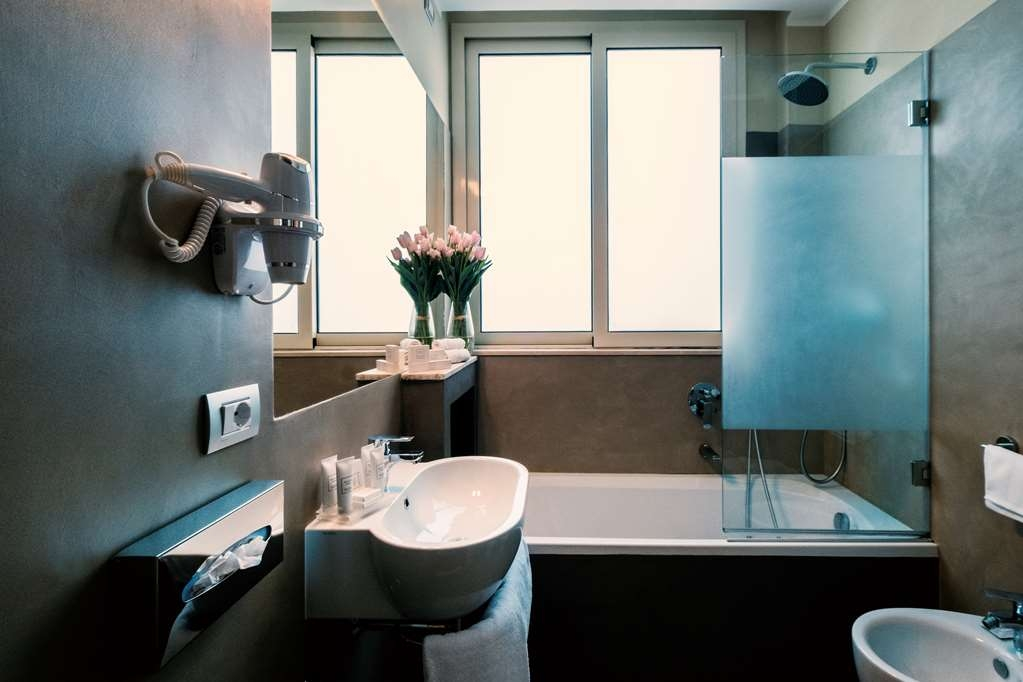 Best Western Hotel Piccadilly - Guest Bathroom