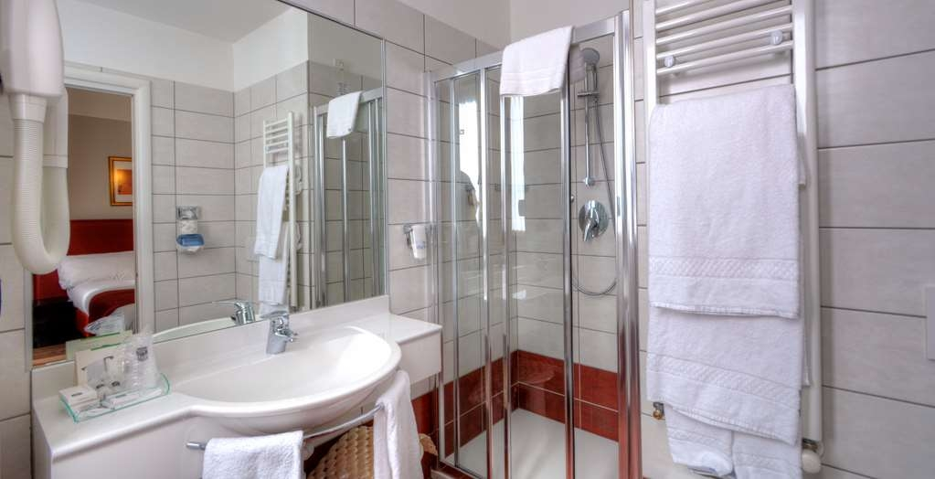 Best Western Hotel Genio - Guest Room, bathroom