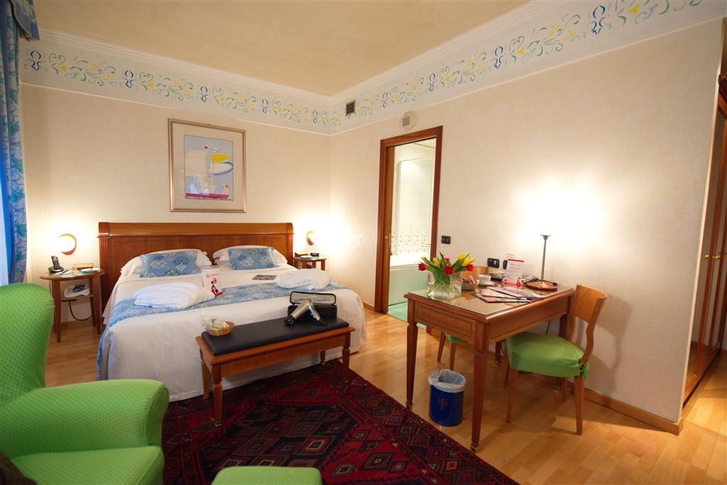 Best Western Hotel Firenze - Gästezimmer/ Unterkünfte