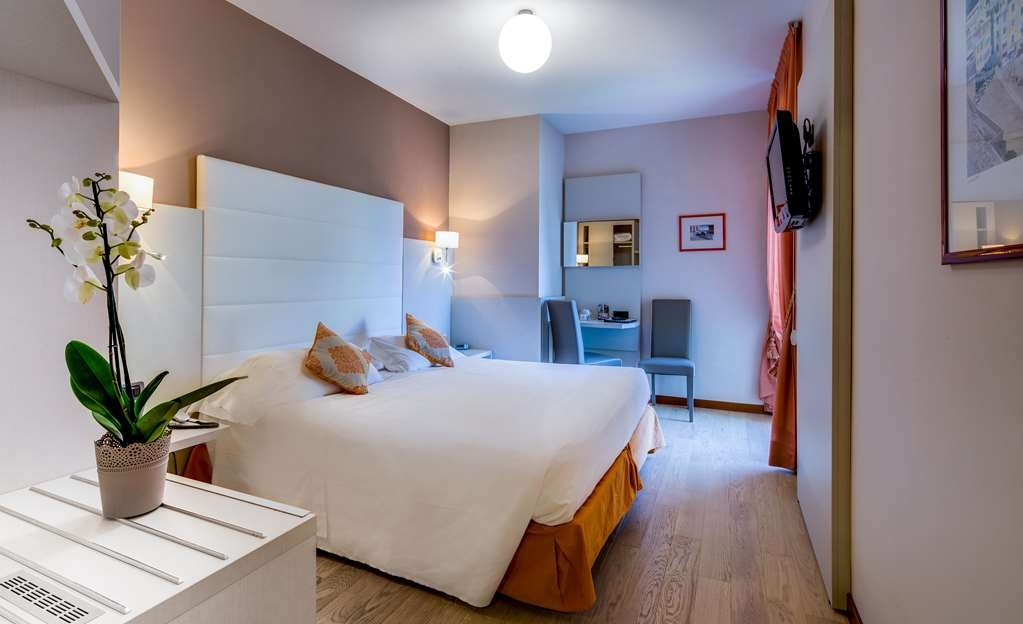 Best Western Regina Elena - Guest Room Side Sea View