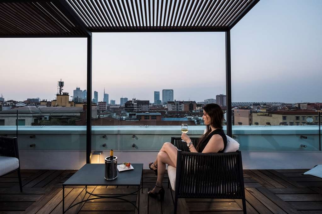 Best Western Hotel City - New Panoramic Terrace with multi-function shower and fitness equipment