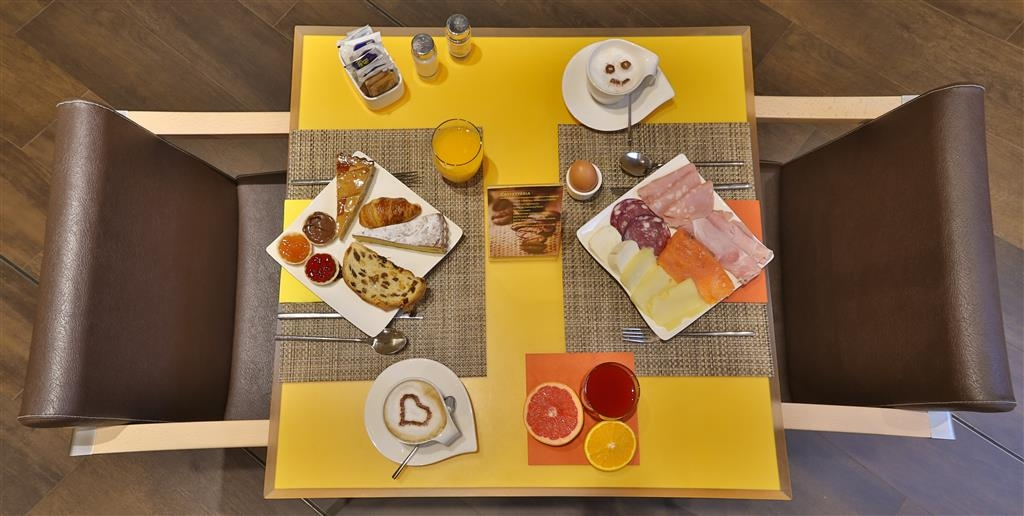 Best Western Plus City Hotel - Prima colazione a buffet