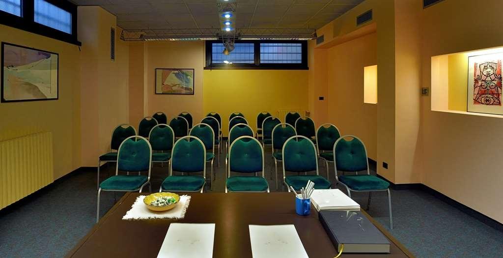Best Western Hotel Crimea - Sala de reuniones