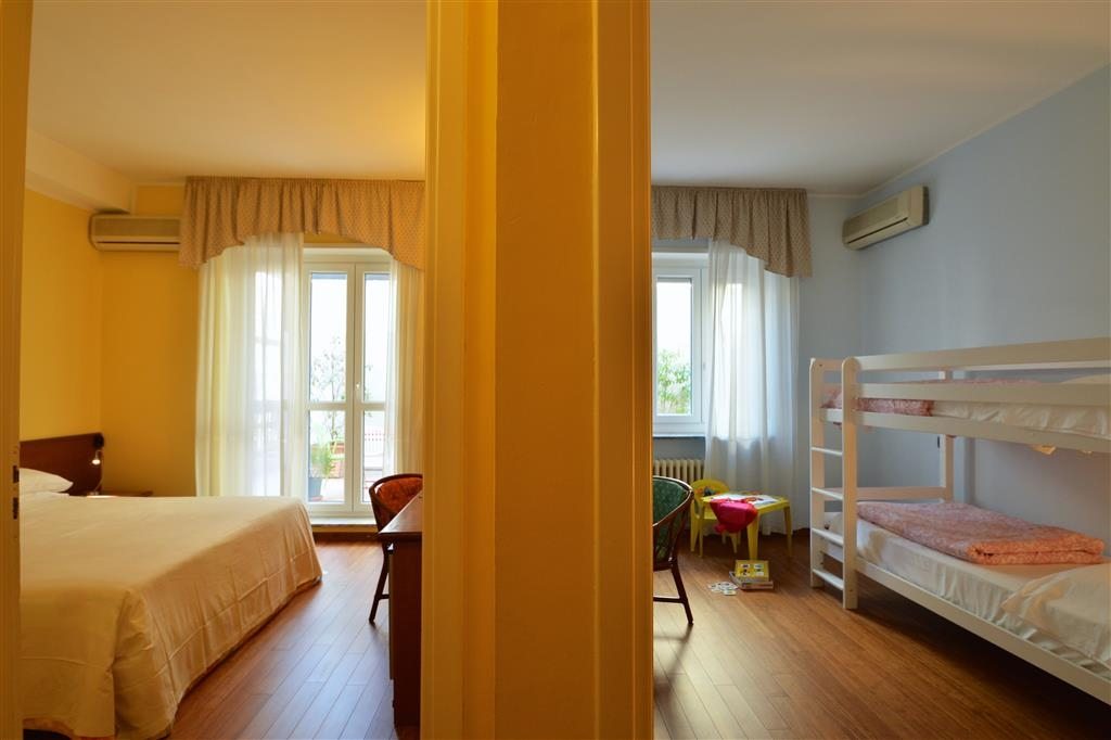 Best Western Hotel Crimea - Guest Room - Family Room with Bunk Bed
