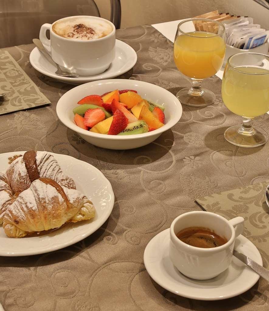 Best Western Plus Hotel Genova - Zona de desayunos