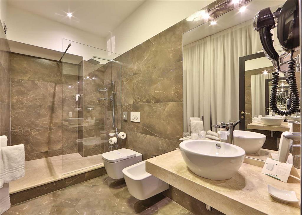 Best Western Plus Hotel Genova - Cuarto de baño de clientes