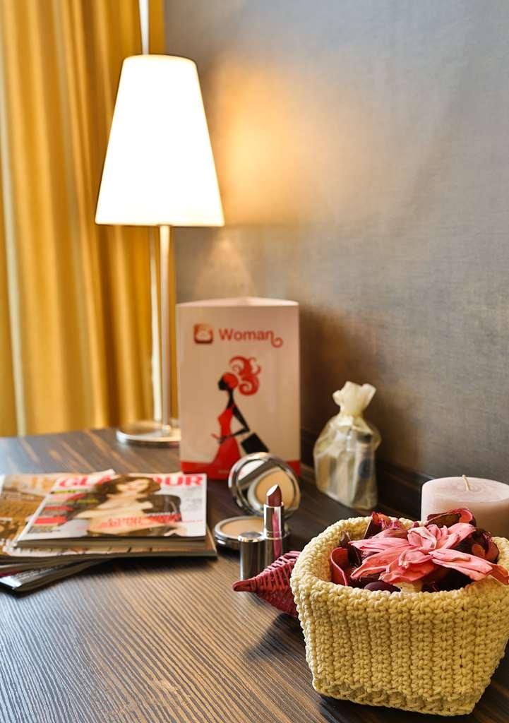 Best Western Hotel Metropoli - Woman Cluster