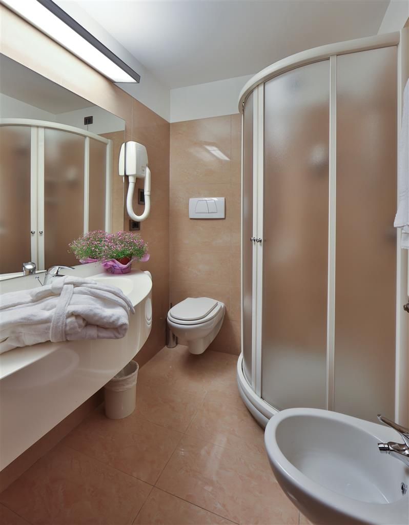 Best Western Hotel Biri - Guest Bathroom