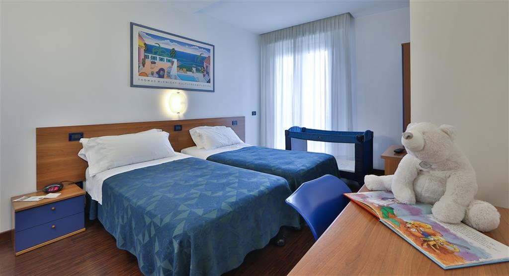 Best Western Hotel Biri - Two Single Bed Family Room