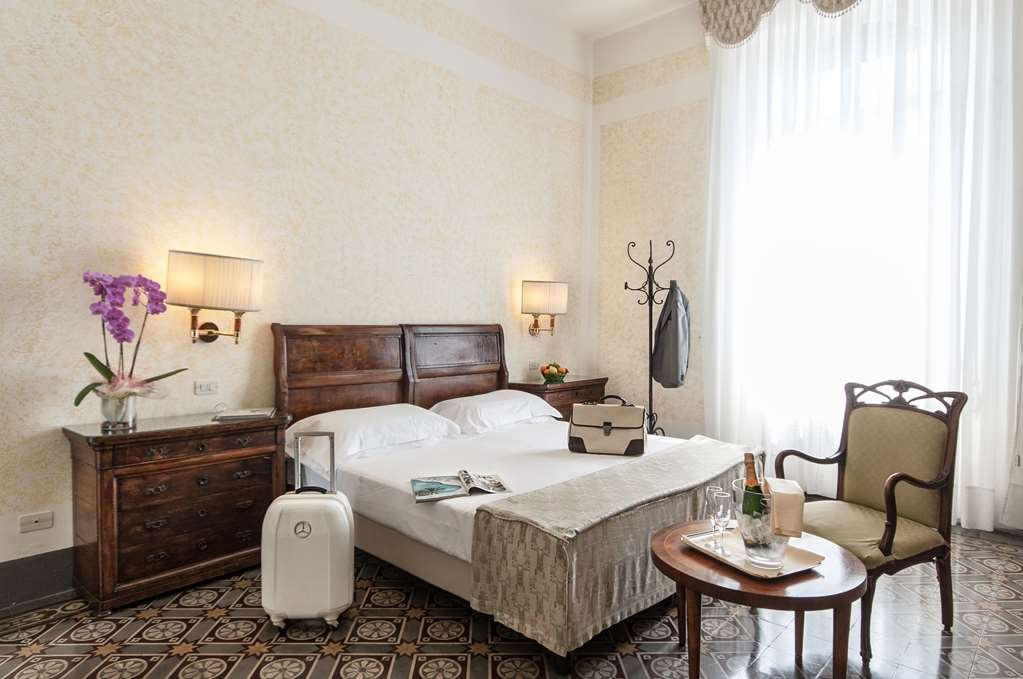 Grand Hotel Royal, BW Premier Collection - Chambres / Logements