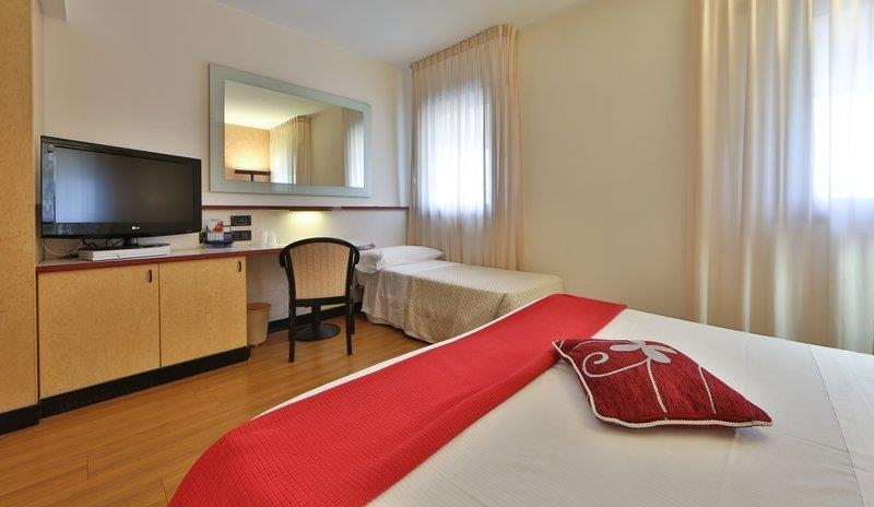 Best Western Hotel Solaf - Guest room