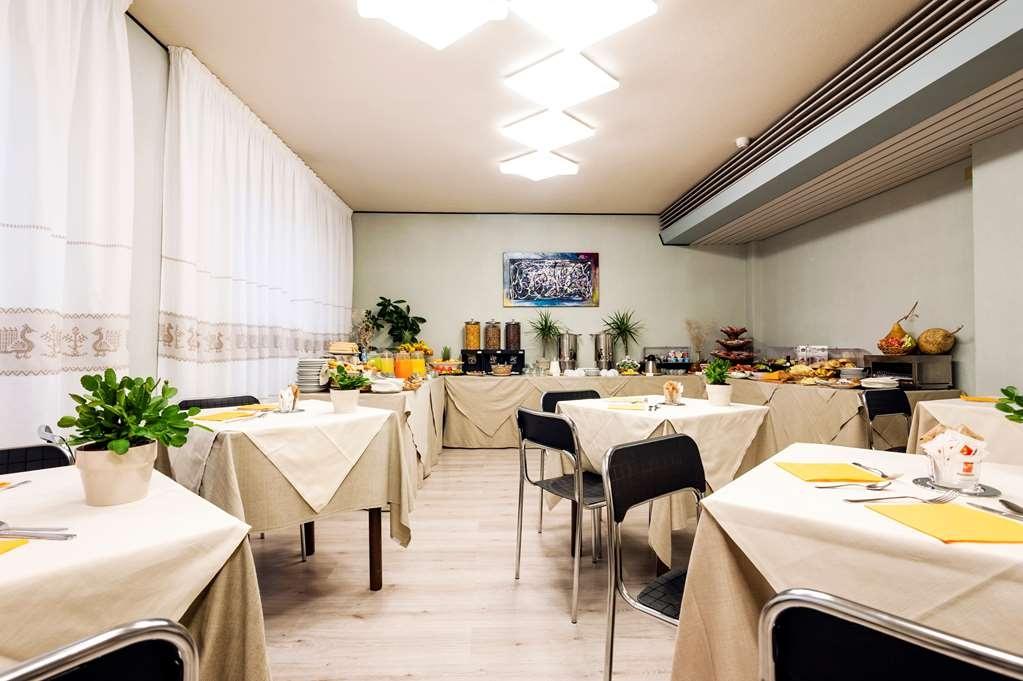 Best Western Hotel Residence Italia - Bar/Salón