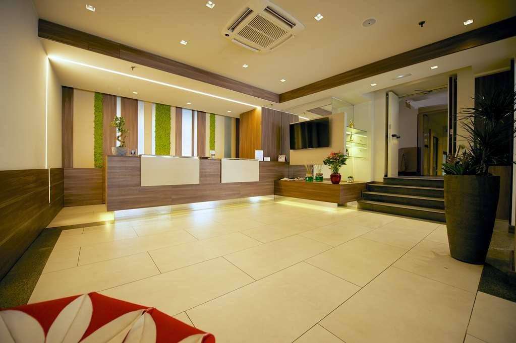 Best Western Hotel Luxor - Lobbyansicht