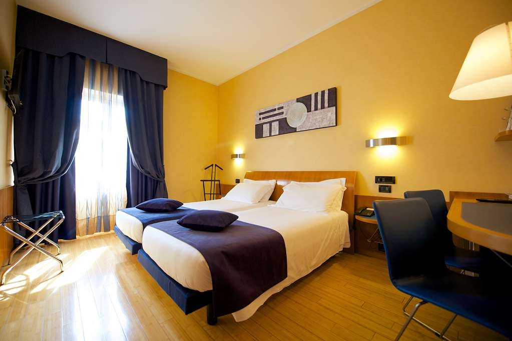 Best Western Hotel Luxor - Classic Two Twin Bed Guest Room