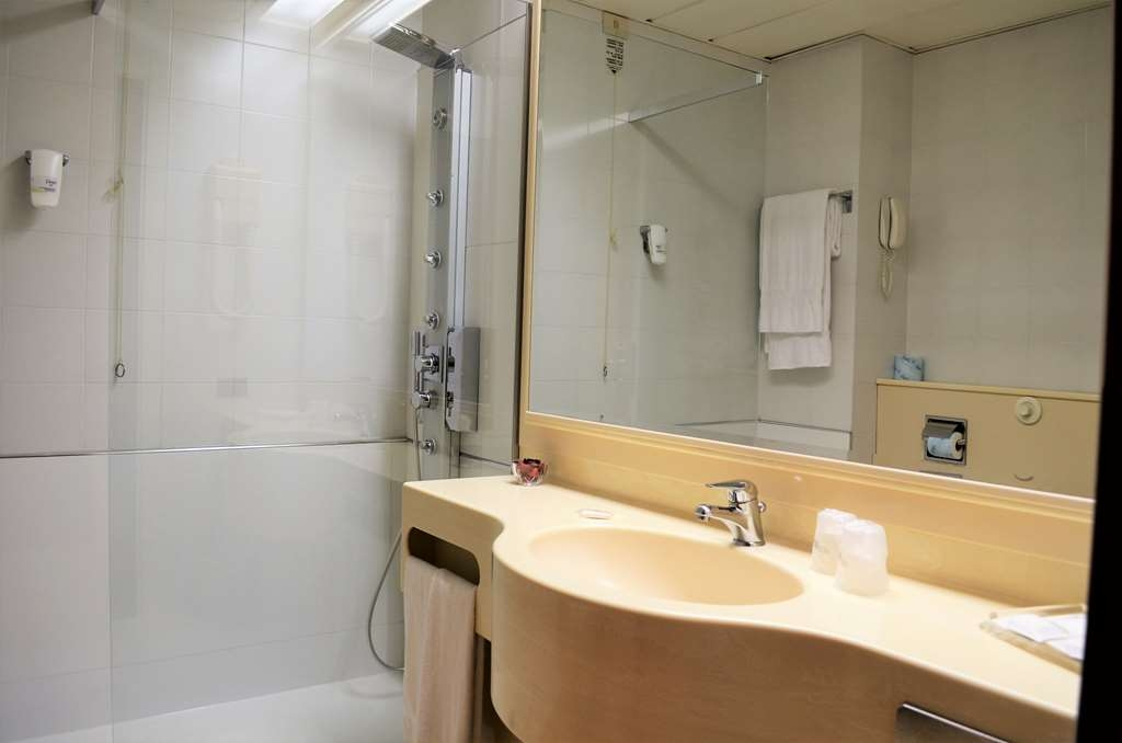 Best Western Park Hotel - Suite Guest Bathroom