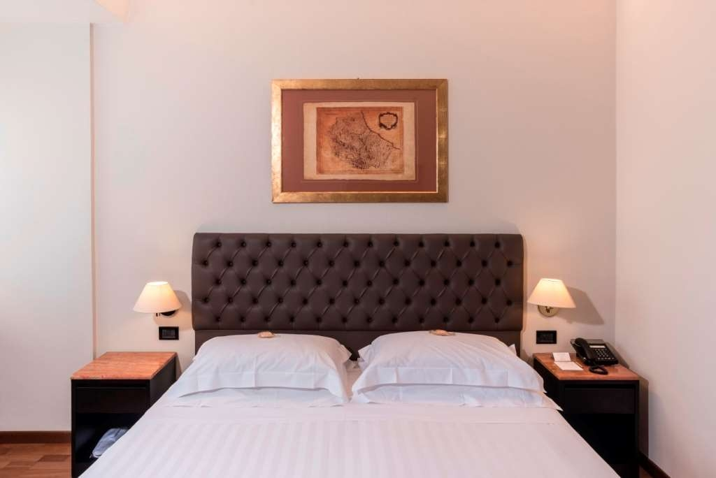 Best Western Hotel Plaza - Comfort Queen Room is the ideal solution for one or two guests traveling for business or on holiday in Pescara, seaside town.