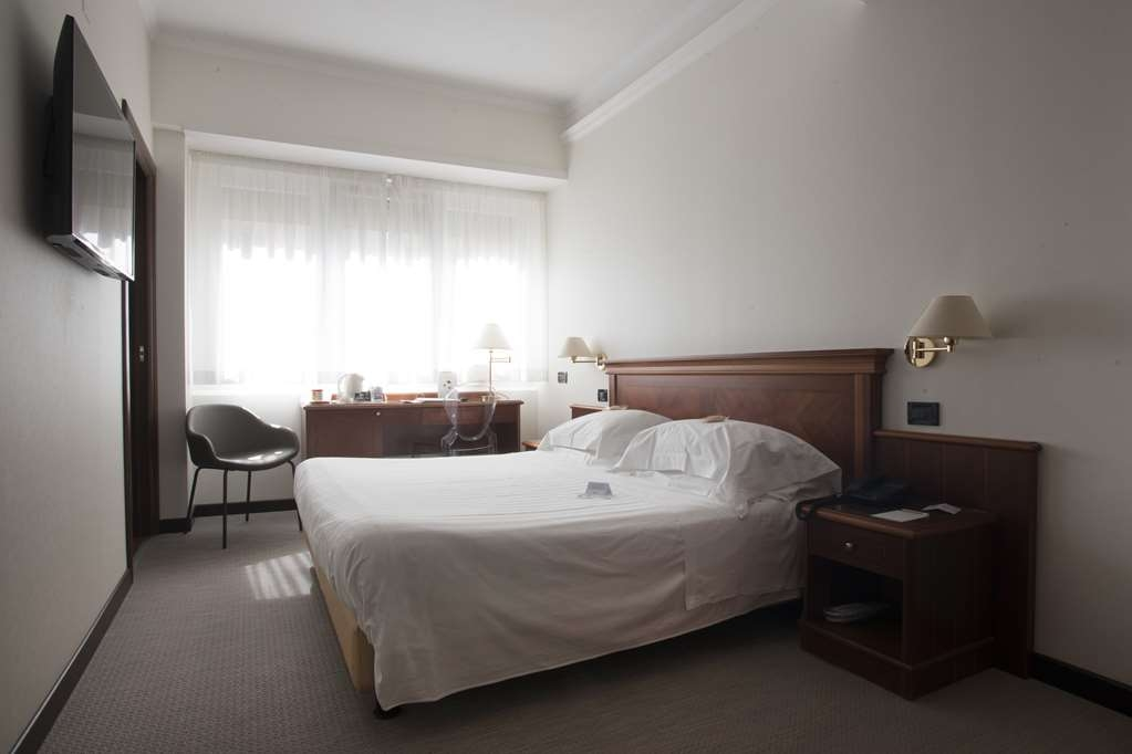 Best Western Hotel Plaza - Room for disabled
