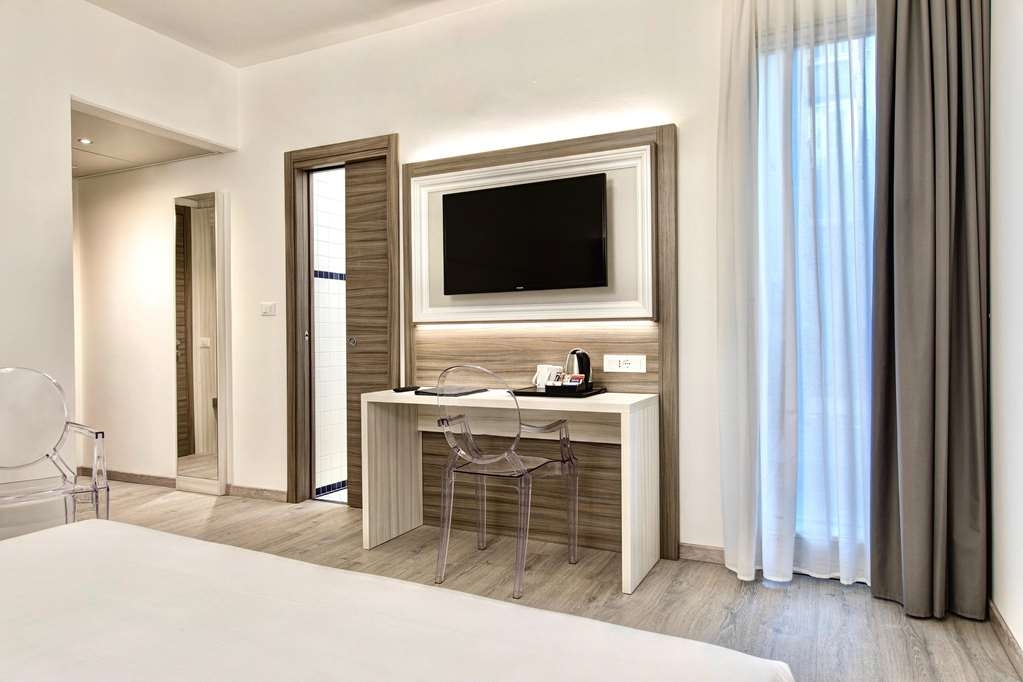 Best Western Hotel San Giusto - Scrivania matrimoniale