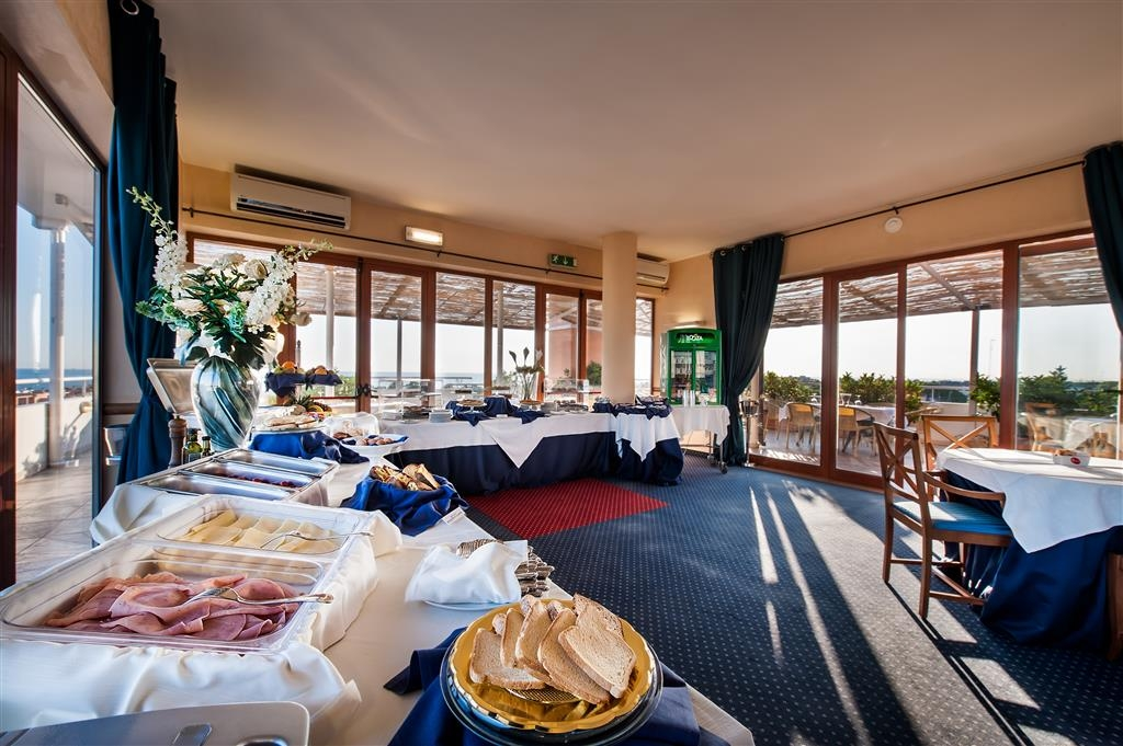 Best Western Hotel La Baia - Frühstücksbuffet
