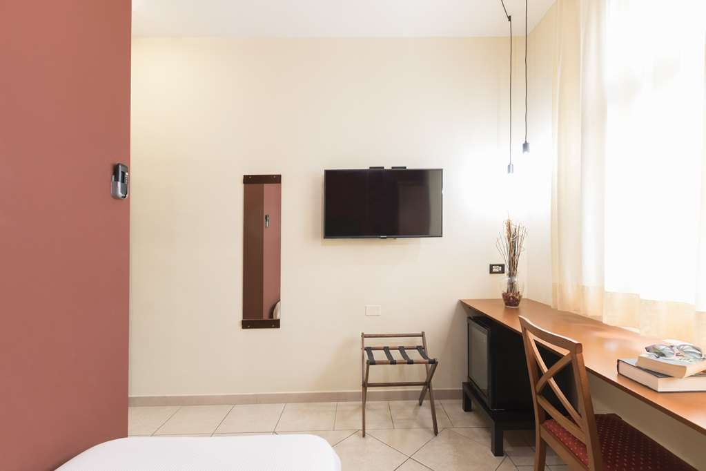 Best Western Hotel La Baia - Single Standard room: essential and modern details in a perferct envoirnmet for the single traveler