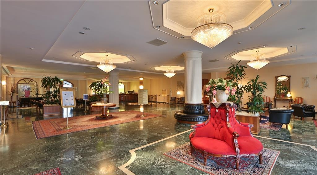 Best Western Hotel Globus City - Vista del vestíbulo