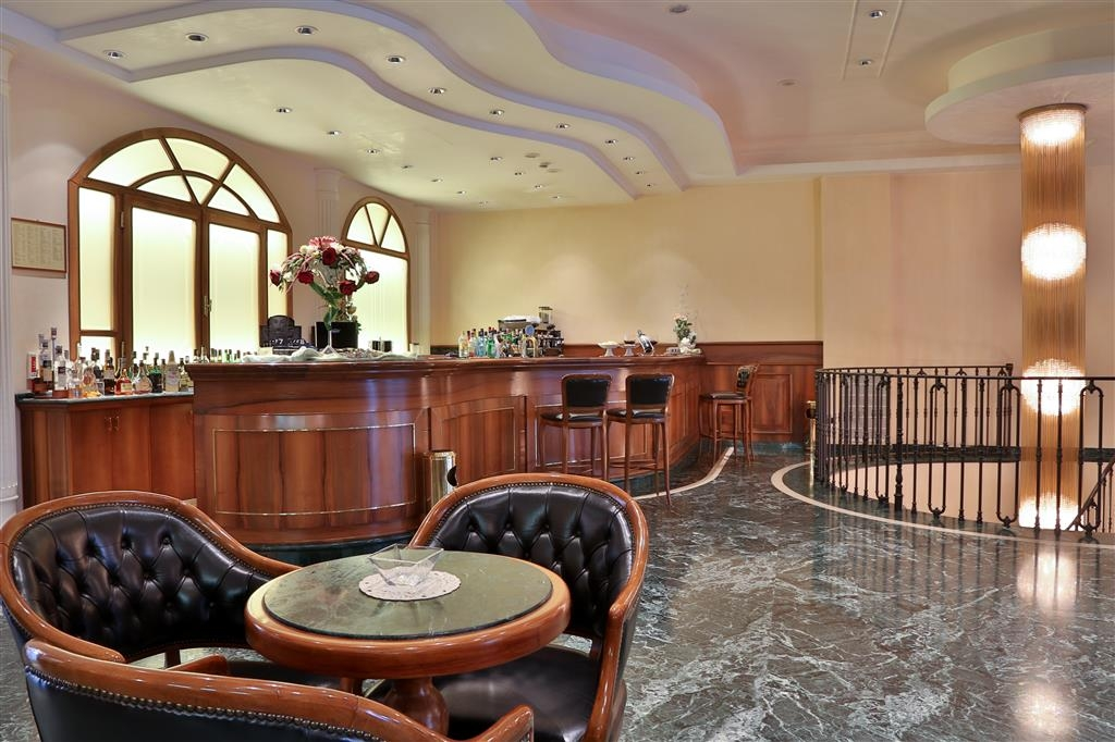 Best Western Hotel Globus City - Bar / Lounge