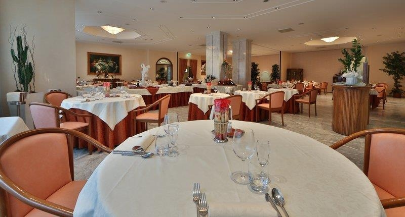 Best Western Hotel Globus City - Restaurant / Etablissement gastronomique