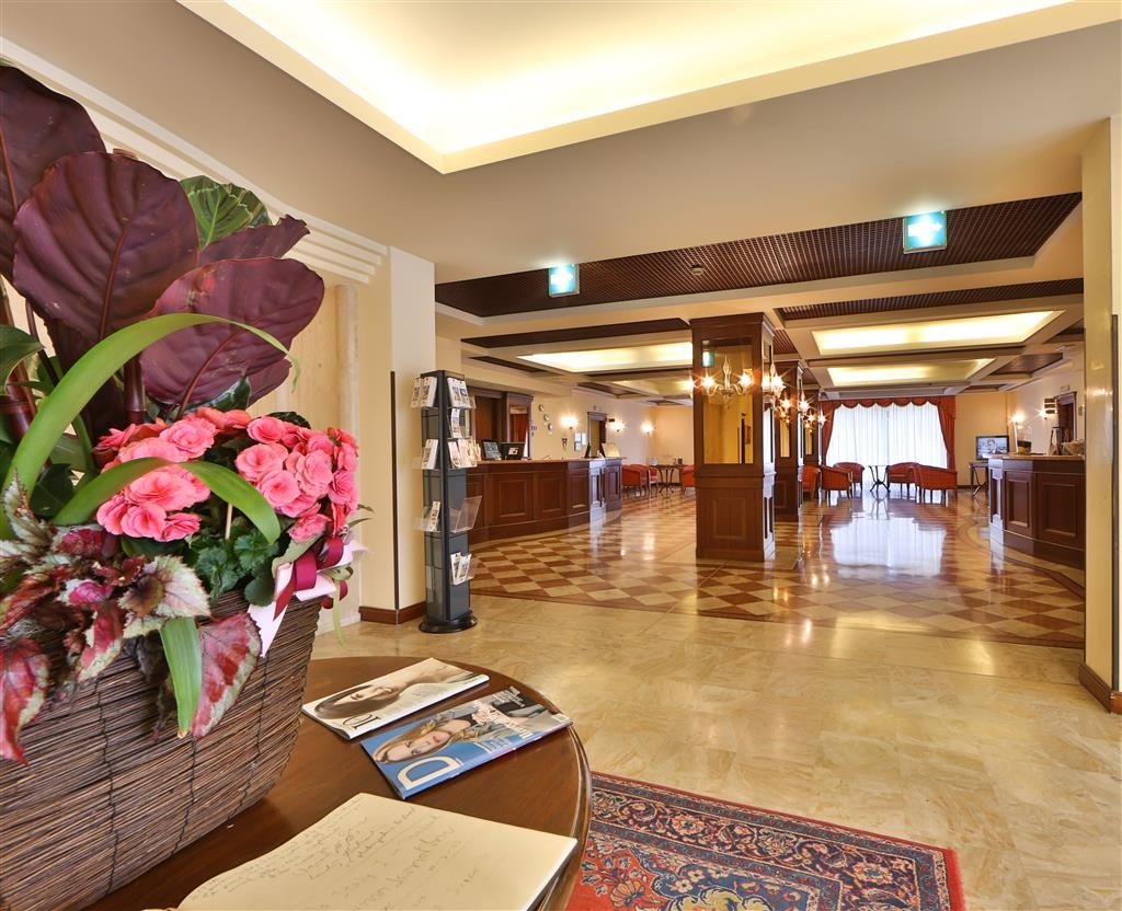 Best Western Classic Hotel - reception