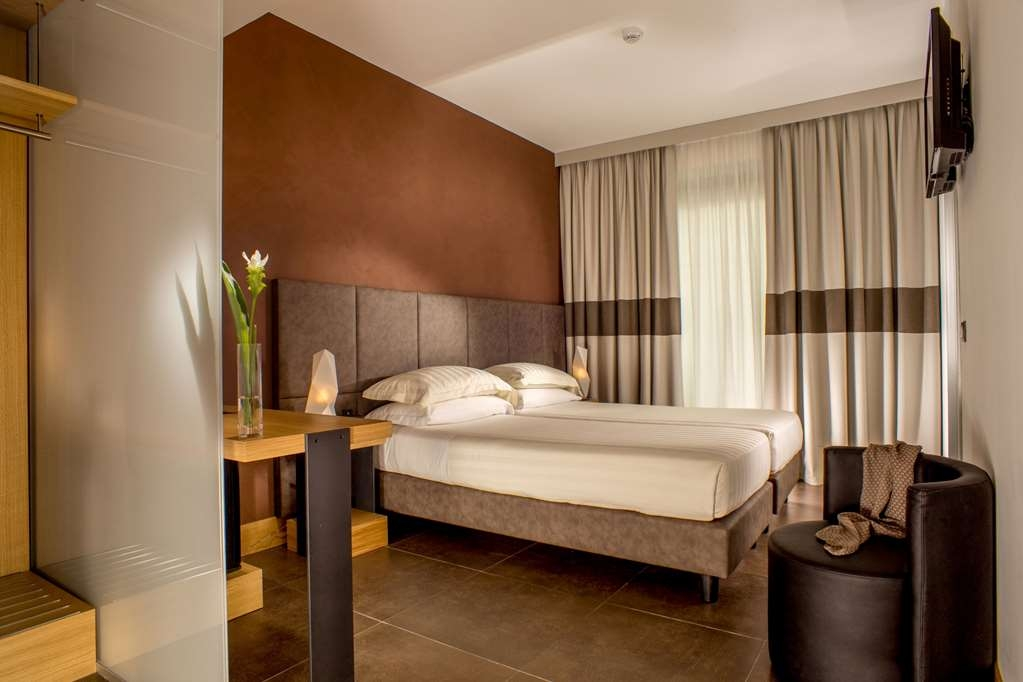 Best Western Plus Hotel Spring House - Superior Two Single Bed Guest Room