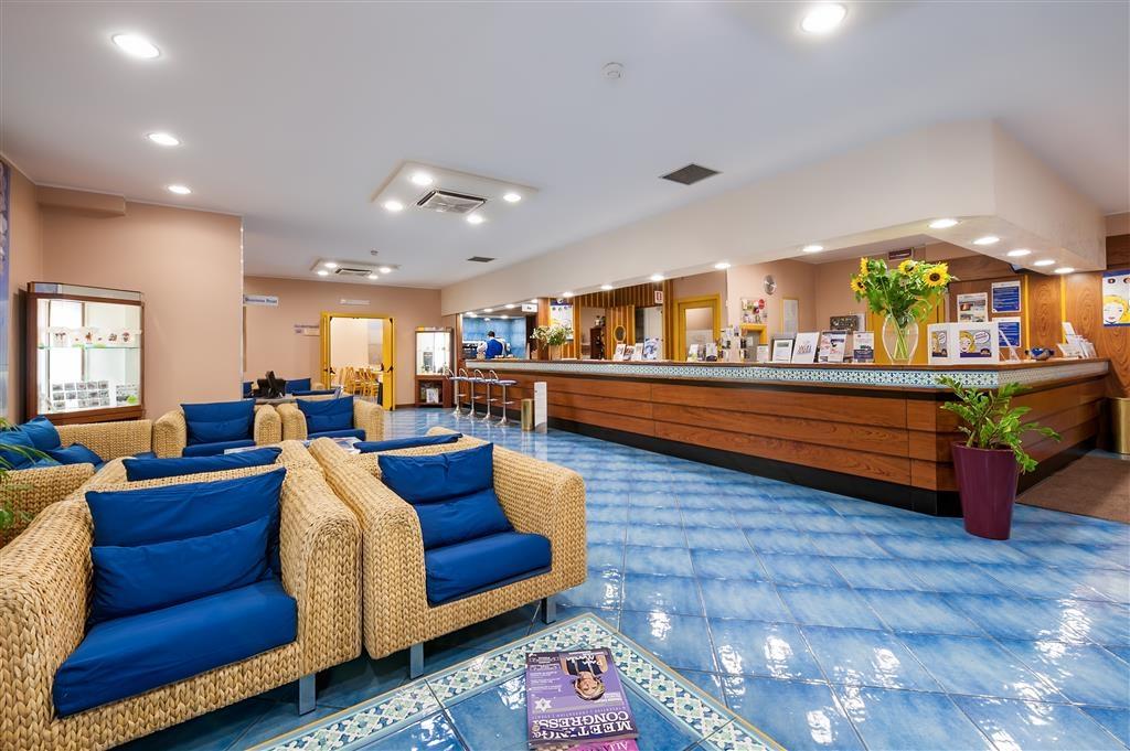 Best Western Hotel Mediterraneo - Lobbyansicht