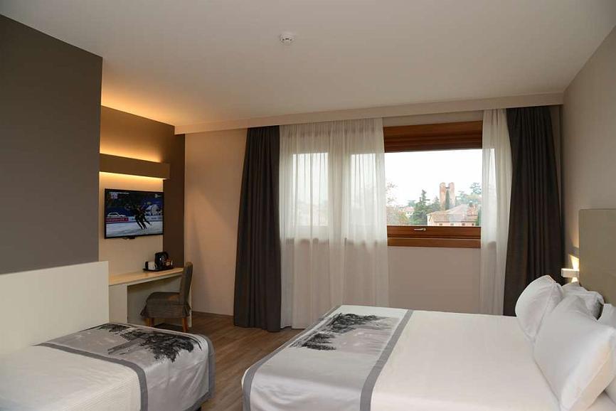 Hotel A Castelfranco Veneto Albergo Roma Bw Signature