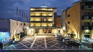 Best Western Hotel Ferrari - Façade