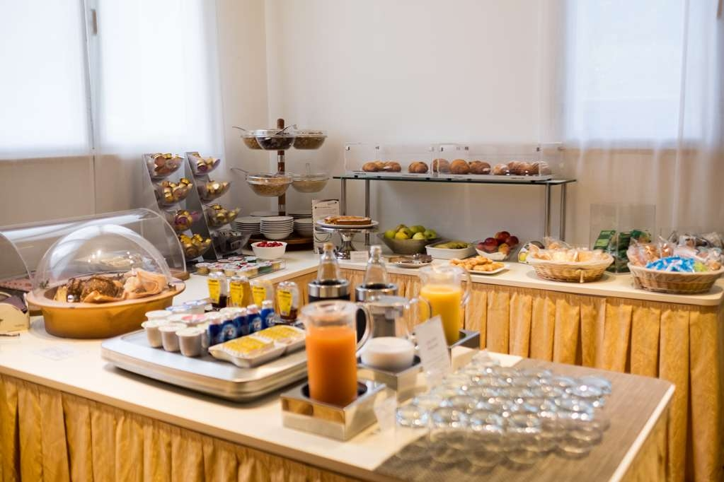 Jet Hotel, Sure Hotel Collection by Best Western - Breakfast Area