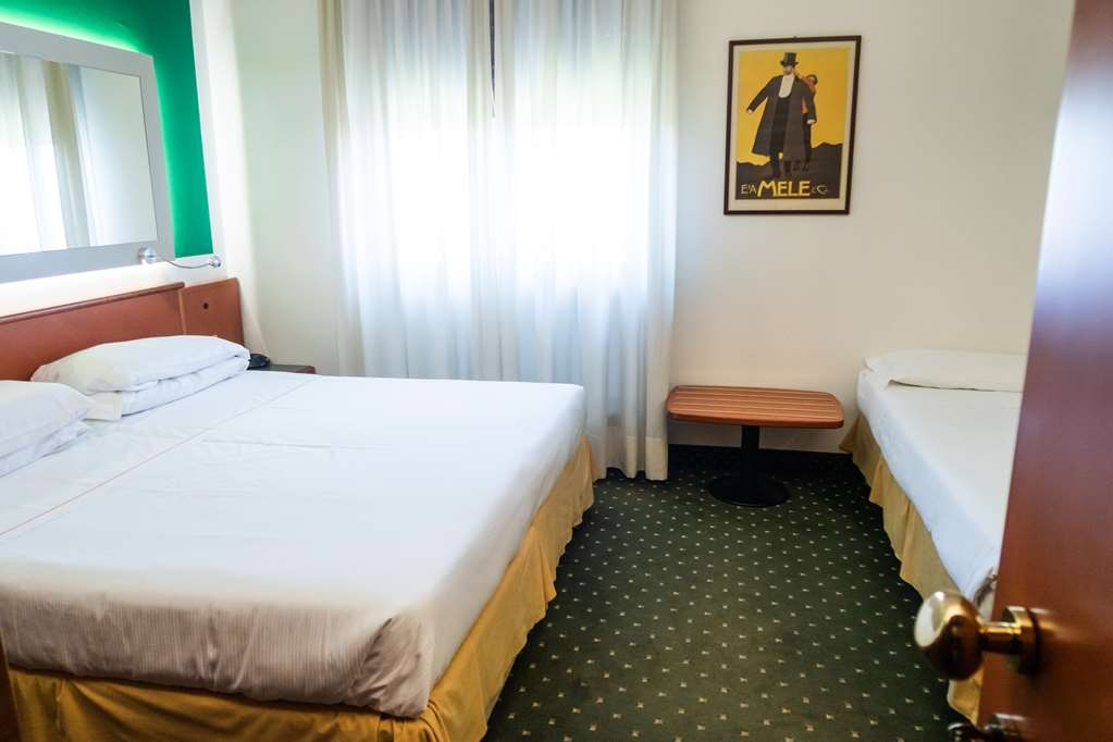 Jet Hotel, Sure Hotel Collection by Best Western - Triple Room