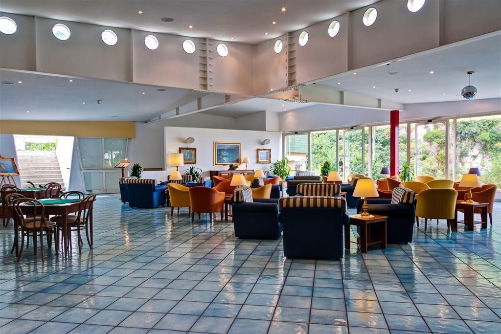 Best Western Hotel La Solara - Vista del vestíbulo