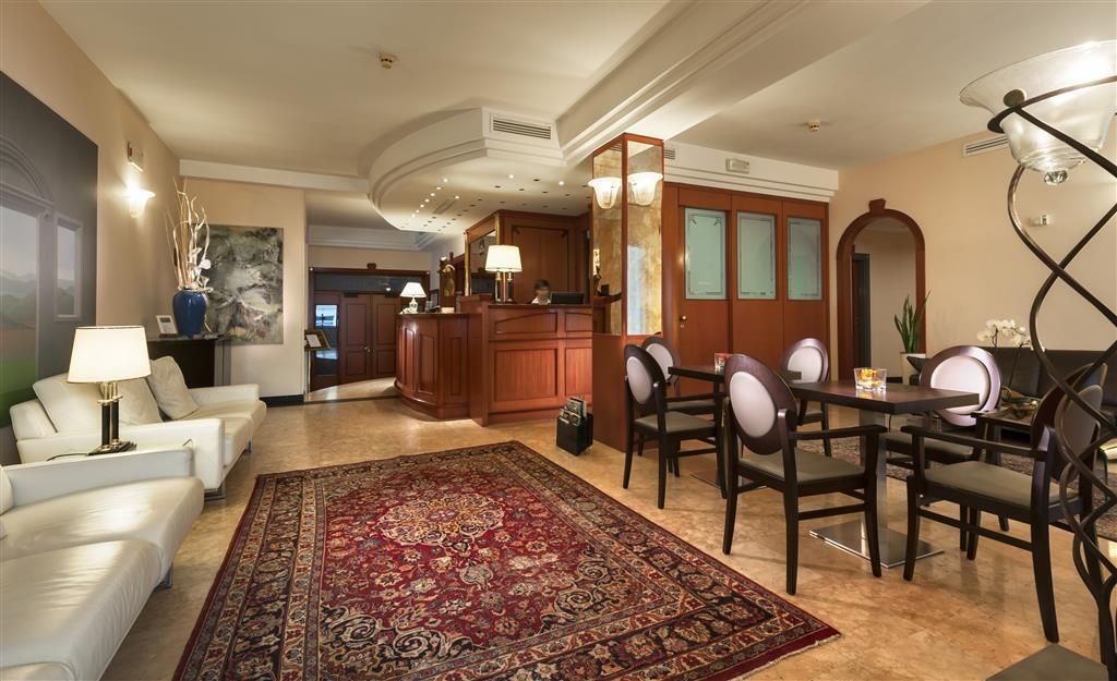 Best Western Hotel Nettunia - Vista del vestíbulo