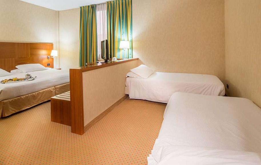Hotel In Cardano Al Campo Best Western Hotel Cavalieri Della Corona