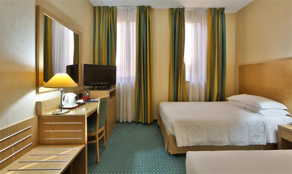 Best Western Hotel Cavalieri Della Corona - Gästezimmer/ Unterkünfte