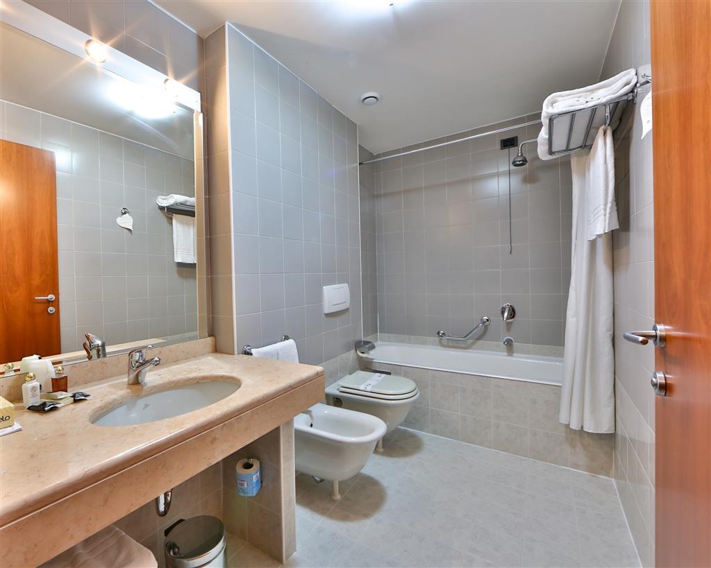 Best Western Hotel Cavalieri Della Corona - Badezimmer