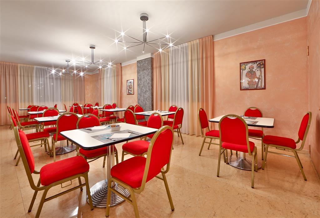 Best Western Hotel Cavalieri Della Corona - Restaurant / Gastronomie