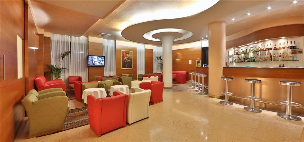 Best Western Hotel Cavalieri Della Corona - Bar/Salón
