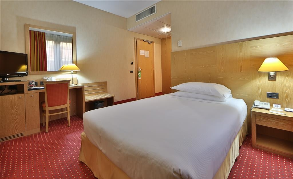 Best Western Hotel Cavalieri Della Corona - Comfort Double Single Bed Guest Room