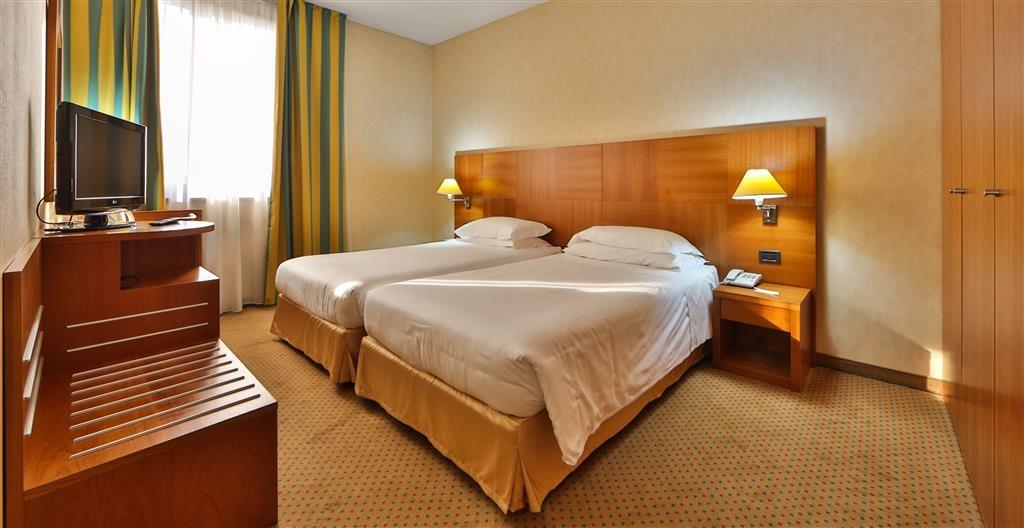 Best Western Hotel Cavalieri Della Corona - Comfort Two Twin Bed Guest Room
